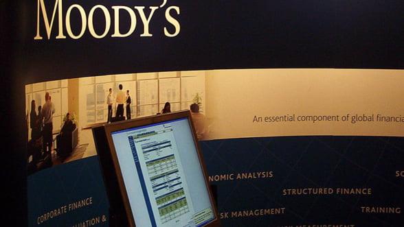 Moody's: Sistemul bancar romanesc risca sa fie grav afectat de crizele europene