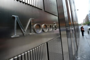 Moody's a retrogradat calificativul Rusiei la junk - nerecomandat investitiilor