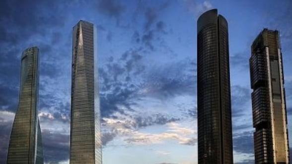 Moody's a scazut ratingul Spaniei de la A3 la BAA3, cu perspectiva negativa