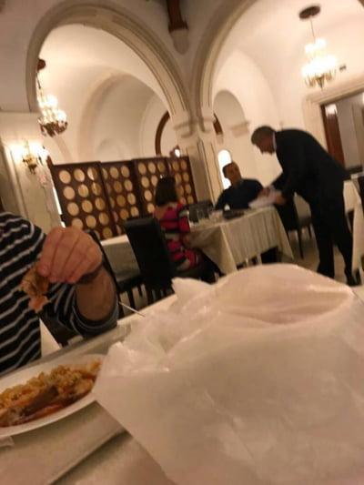 """Morar il contrazice pe Iordache: Ce erau """"hartiile"""" pe care i le-a adus la masa"""
