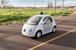 Motivul uluitor pentru care masina Google care se conduce singura a fost trasa pe dreapta de un politist