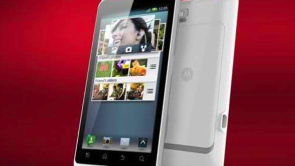 Motorola lanseaza Motoluxe in Europa