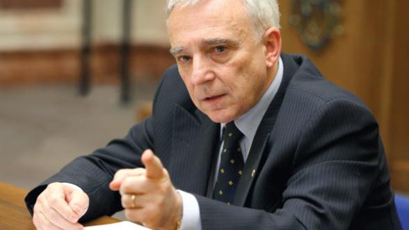 Mugur Isarescu: Leul slab nu ajuta cresterea economica bazata pe exporturi