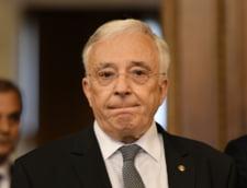 Mugur Isarescu a contestat la Curtea Constitutionala articolul in baza caruia i-a fost deschis proces de colaborator al Securitatii
