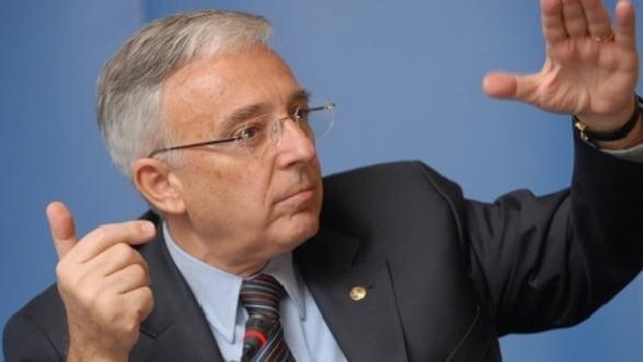 Mugur Isarescu despre curs, inflatie si salarii: BNR nu apara un anumit curs valutar!