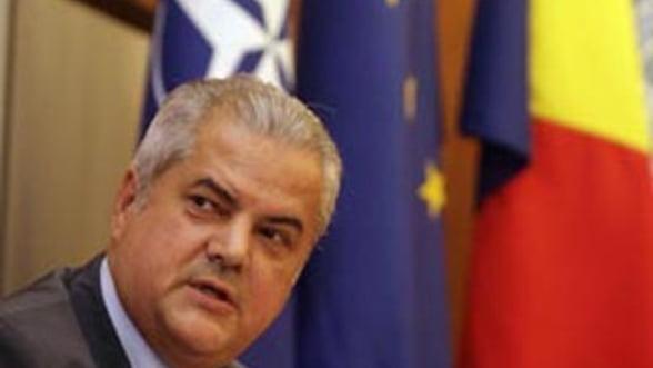 Nastase: Trebuie clarificata diviziunea muncii intre presedinte si premier!