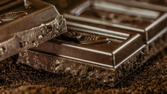 Nestle promite ca va produce ciocolata fara a adauga zahar