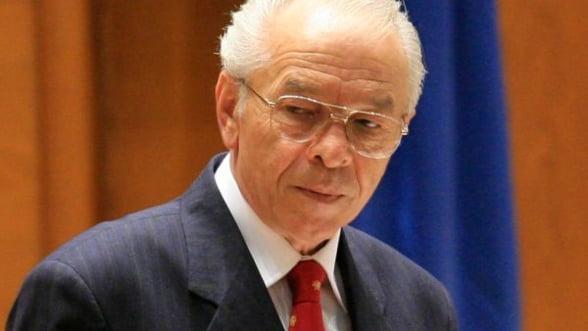 Nicolae Vacaroiu: Privatizarile au fost in proportie de 80% un esec
