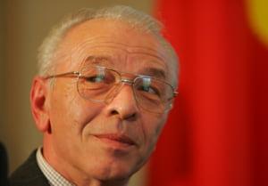 Nicolae Vacaroiu a fost numit de Parlament presedintele Curtii de Conturi