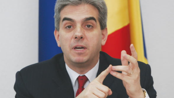 Nicolaescu: Nu inteleg de ce fac greva acum si nu au facut in 2010, cand salariile su fost reduse cu 25%