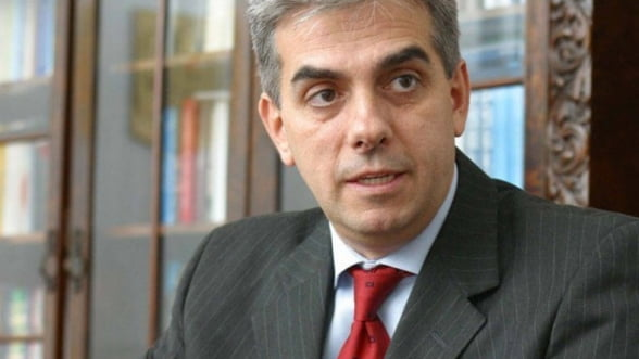 Nicolaescu s-a inteles cu producatorii de medicamente sa plateasca 2 treimi din arierate in 2013
