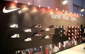 Nike ar putea disponibiliza circa 1.400 de angajati