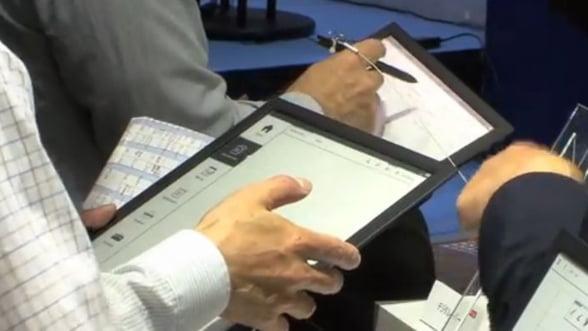 Noi detalii despre e-readerul Sony de 13,3 inci cu E-Ink