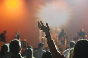 Noile reguli de organizare a nunților, concertelor și evenimentelor sportive sau culturale. Măsurile, propuse să intre în vigoare din 1 august