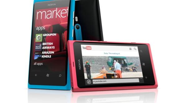 Nokia Lumia 800 nu are priza la utilizatori