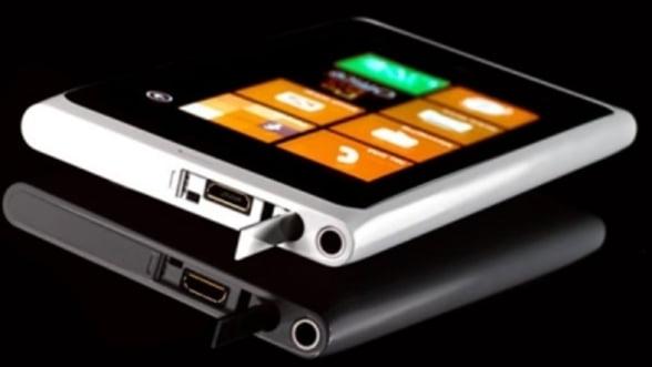 Nokia lanseaza Lumia 800 White