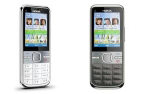 Nokia lanseaza trei noi telefoane mobile inteligente, axate pe servicii de e-mail