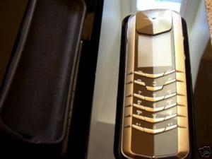 Nokia va sista vanzarile de telefoane mobile in Japonia, cu exceptia marcii de lux Vertu