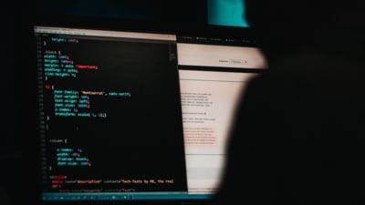 Noua armă cibernetică care fură datele de pe cardurile românilor. Sunt atacate sistemele POS din magazine sau unități de cazare