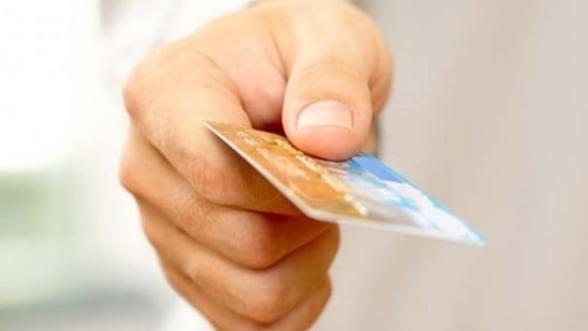 Noua banci din SUA sunt cercetate pentru inselarea clientilor