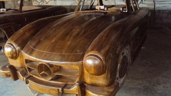 Nu iti permiti un Mercedes? Opteaza pentru modelul din lemn
