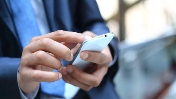 Nu va lasati smartphone-urile prea mult timp la soare!