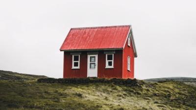 Numărul locuinţelor asigurate obligatoriu a crescut cu aproape 4%, în august. Ce regiune are cele mai multe poliţe active