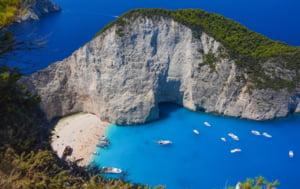 O agentie de turism din Romania plateste testul COVID pentru clientii care pleaca in Grecia. Ce alte oferte au mai fost lansate pe piata peste noapte