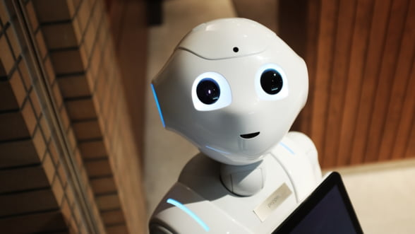 O clinica medicala din Romania si-a angajat un robot care sa se ocupe de contractele abonatilor