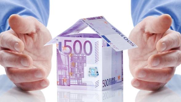 """O directiva europeana obliga bancile """"s-o lase mai moale"""" cu executarile silite"""