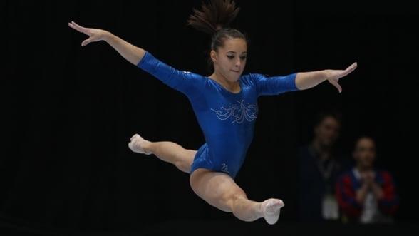 "O gimnasta romanca, premianta si la frumusete: ""Miss Campionatul European 2014"""
