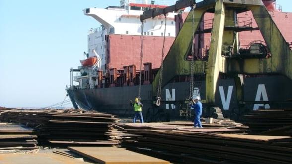 O nava abandonata de un an la Constanta va fi scoasa la licitatie. Vezi pretul de pornire