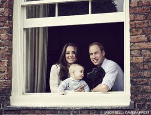 O noua poza cu printul George a fost facuta publica - cum arata la opt luni fiul lui Kate si William