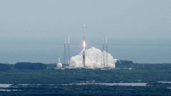 O racheta indiana a parasit orbita terestra, incepandu-si calatoria spre Marte