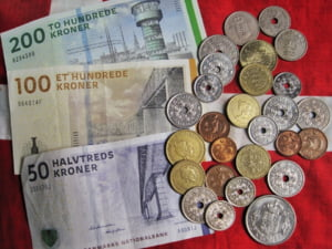O tara UE are o problema ciudata: Prea multi bani si putine datorii