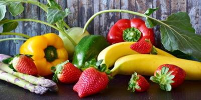 """O treime din fructele si legumele bio se arunca, pentru ca sunt """"prea urate"""" ca sa fie vandute. E vorba de 50 de milioane de tone"""