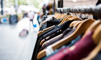 O treime din hainele importate de UE vin din China