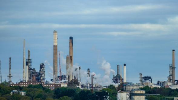 OMV Petrom produce un nou combustibil pentru nave la rafinaria Petrobrazi, dupa investitii de trei milioane de euro