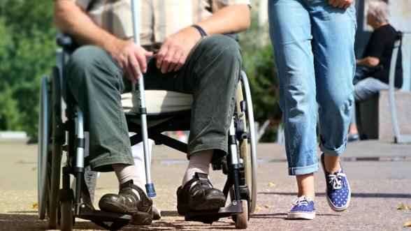 ONG-urile acuza ca persoanele cu dizabilitati sunt discriminate in noua Lege a pensiilor