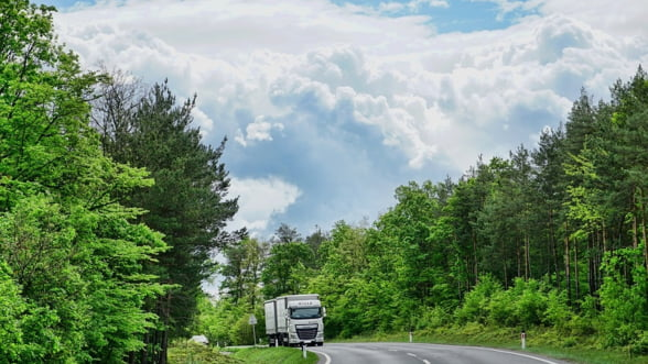 Oameni de afaceri: De ce e totul mai scump in Romania? Din cauza drumurilor proaste