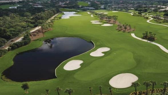 Oamenii de afaceri se intrec la Golf Lifestyle Championship