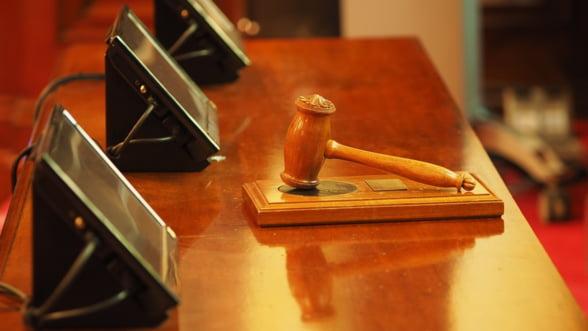 Oamenii de afaceri se tem ca modificarea codului penal protejeaza excesiv functionarii publici