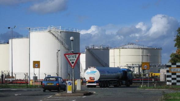 Ofensiva comerciala: Sauditii reduc pretul petrolului pentru Europa ca sa loveasca in Iran