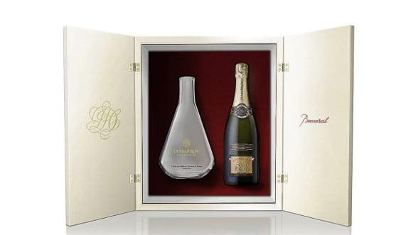 Ofera un cadou special, de la Duval-Leroy si Baccarat