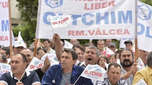 Oltchim zguduita de proteste, chiar inainte de privatizare