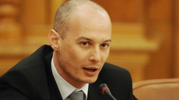 Olteanu, BNR: Dupa fixarea termenului de adoptare a euro, dimensiunea politica dispare