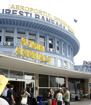 Operatorii aerieni vor plati taxe mai mari aeroportului Baneasa si se vor muta pe Otopeni