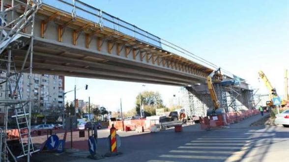 Oprescu crede ca intr-un an de zile se va circula pe podurile de la Mihai Bravu