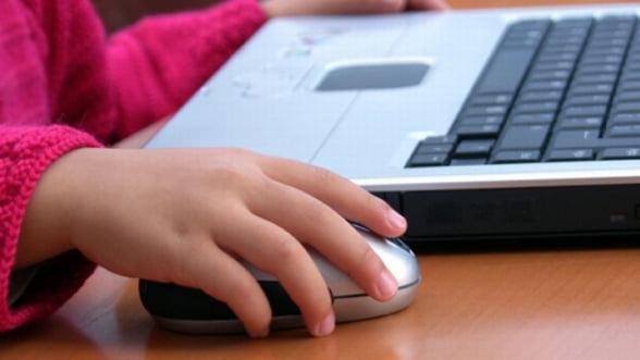 Orange si Romtelecom se intrec pentru internetul din scoli. Miza de 34 mil de euro