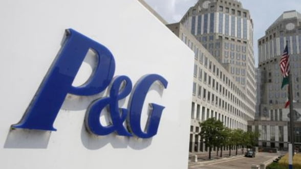"P&G isi concediaza managerul si il ""reactiveaza"" pe fostul director general"